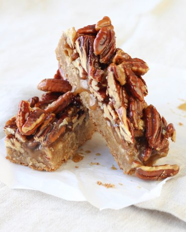 Maple_Pecan_Blondies-131116-5978